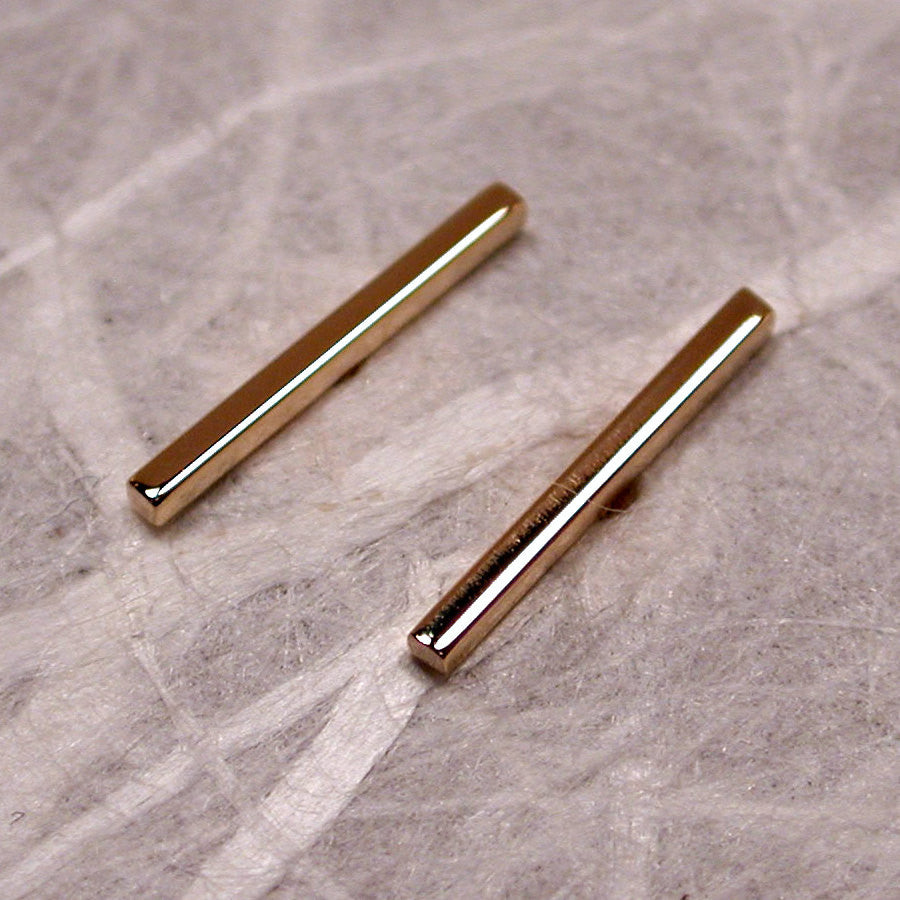 taylor earrings medium sia normal gold product gallery jewelry stud dot lyst line metallic in