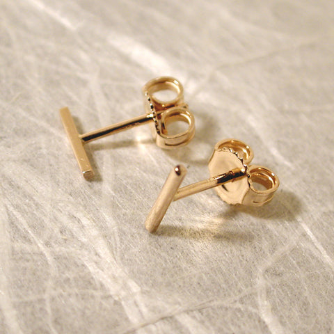 solid 14k gold bar stud earrings 7mm yellow gold