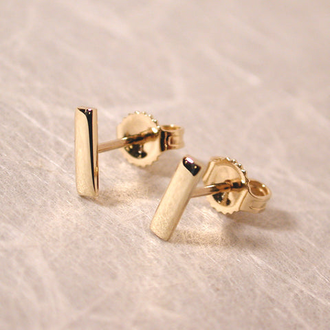 7mm 14k yellow gold bar stud earrings