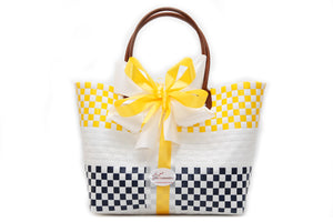 Holly Tote - Gifts2remember