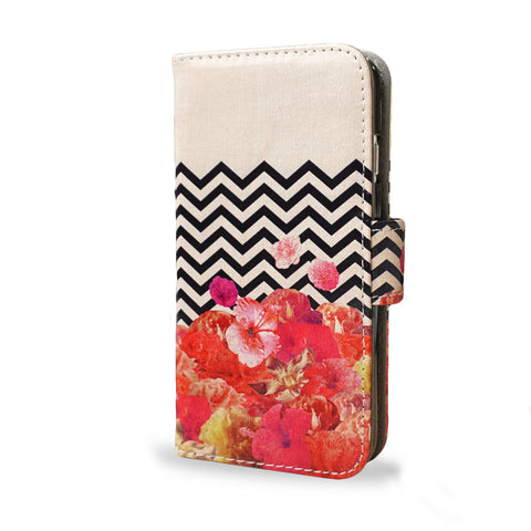 Chevron Flora, Bright red colourful floral design for the iPhone SE