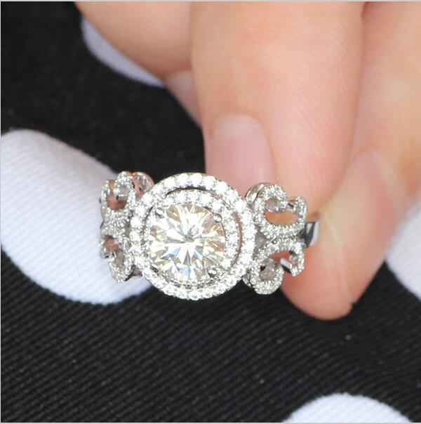 Stunning Round Cut Halo Ring