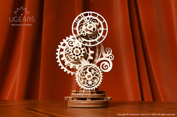 Model Steampunk Clock