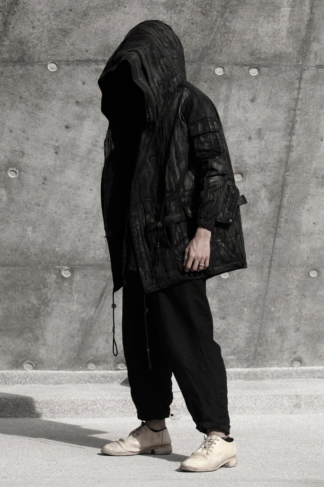 REO MA・Style Number: RM-17S-EP01WAXED ・Project: EXPLORER ・Description: WAXED EXPLORER PARKA ・Material: 100% COTTON | HAND WAXED ・Size: S/M/L ・Colour: BLACK