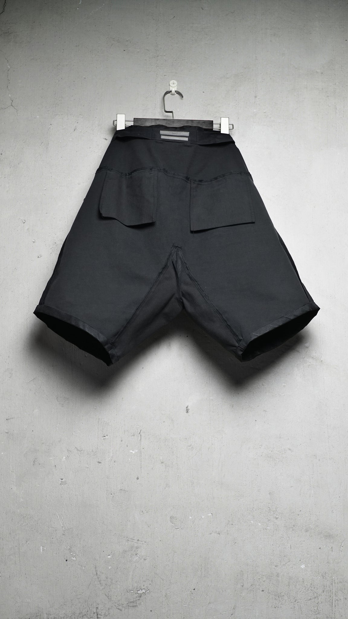 Hand waxed 6 pockets Drop Crotch Shorts