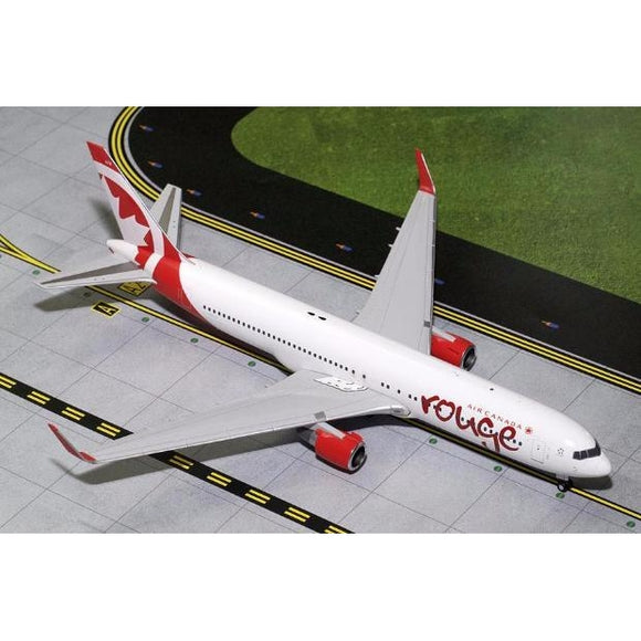 Gemini200 rouge Boeing 767-300 - Airliner Replicas
