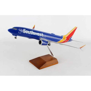 Skymarks Southwest Boeing 737-MAX8 1/100 W/Wood Stand & Detailed Gear - Airliner Replicas