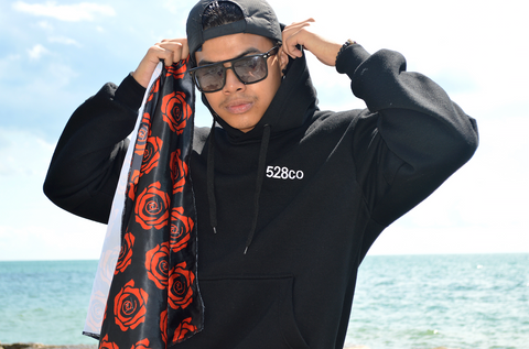 528co Black Hoodie - 528co