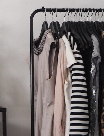 How To Build & Accessorize A Capsule Wardrobe