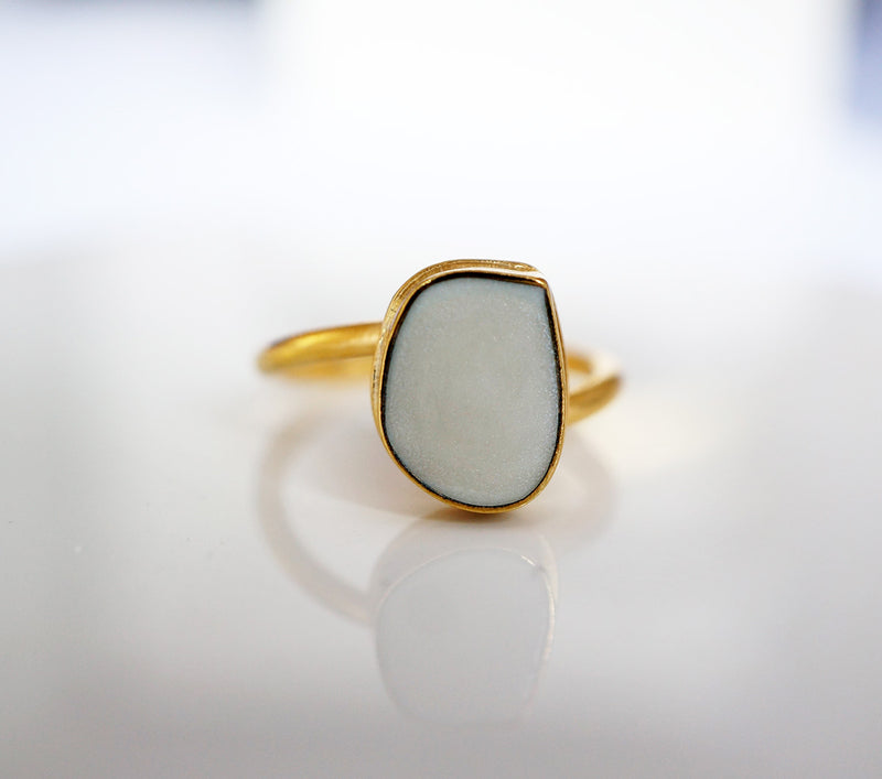 Zivanora-fearless_bypass_ring_mother-of-pearl