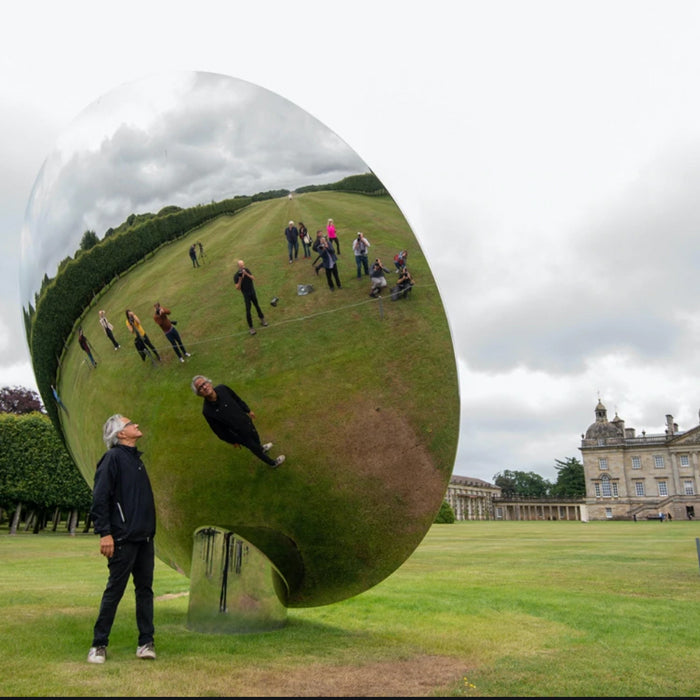 "Art lovers look eastward as ""Anish Kapoor has moved matters on"""