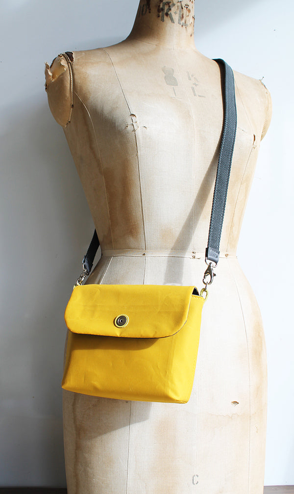 Small Washer Bag - Yellow