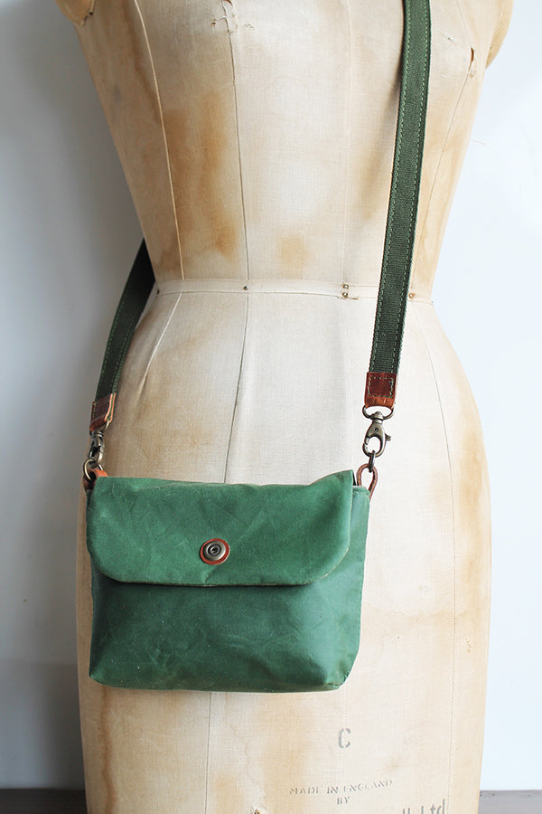 Small Washer Bag - Green