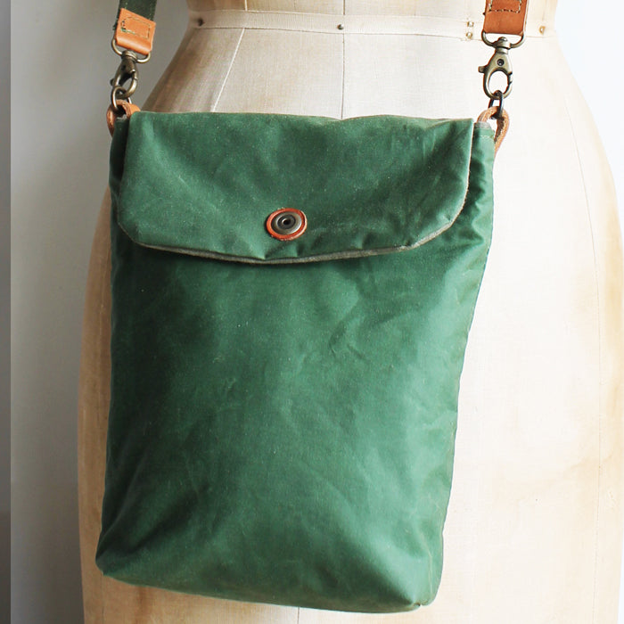Tall Small Washer Bag - Green