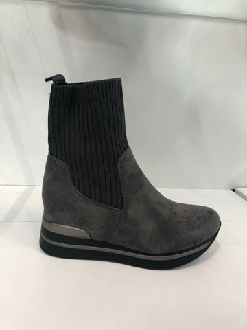 DECK BY DECOLLAGE WEDGE SOCK BOOT HQ220