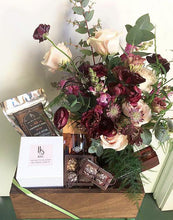 Hawkridge & Sons x Foxgloves & Folly Gift Box - rosé wine and flower jar