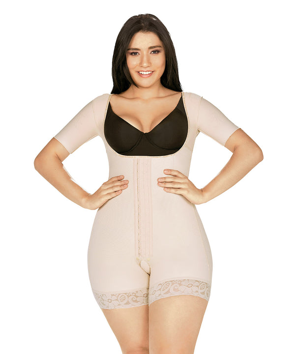 Short  Bodysuit with Central Hooks and sleeves  (Ref. O-202 )