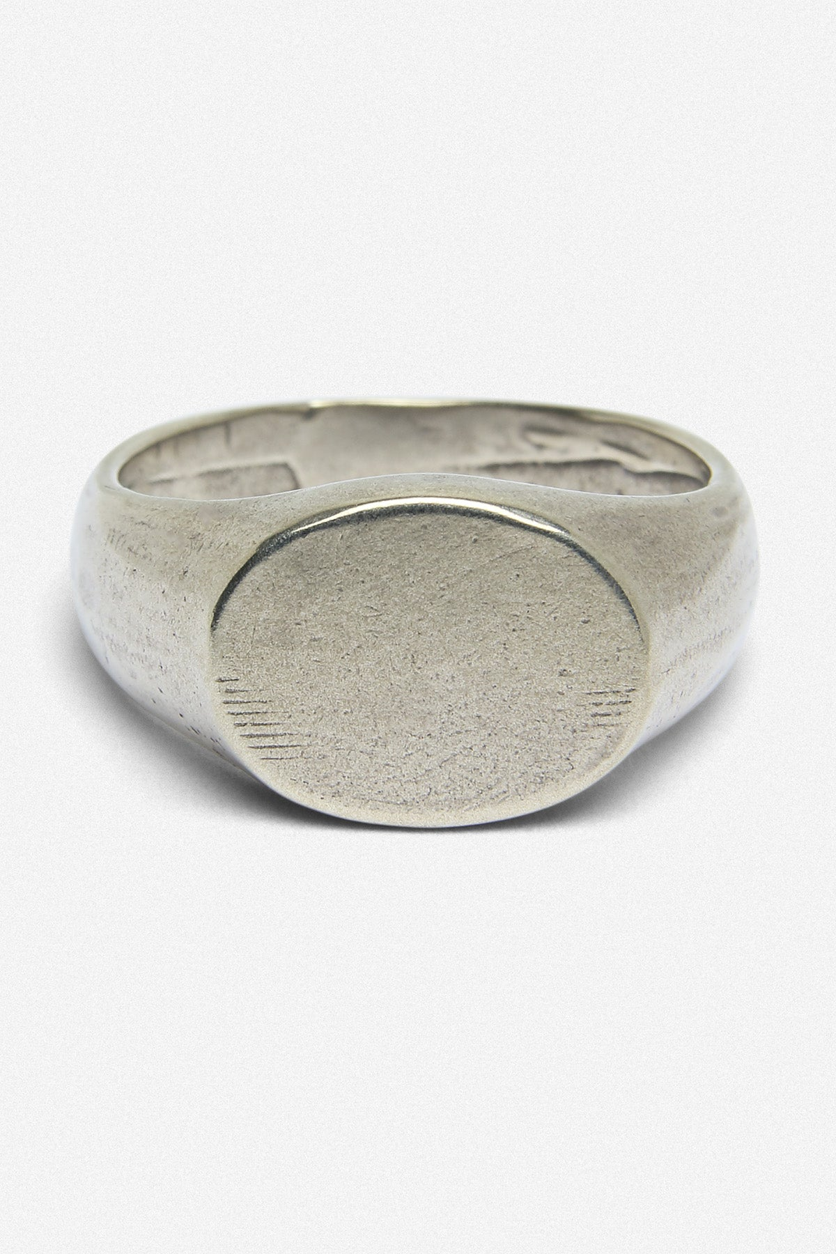 SIGNET OVAL RING IN WHITE BRONZE - Fortune Goods