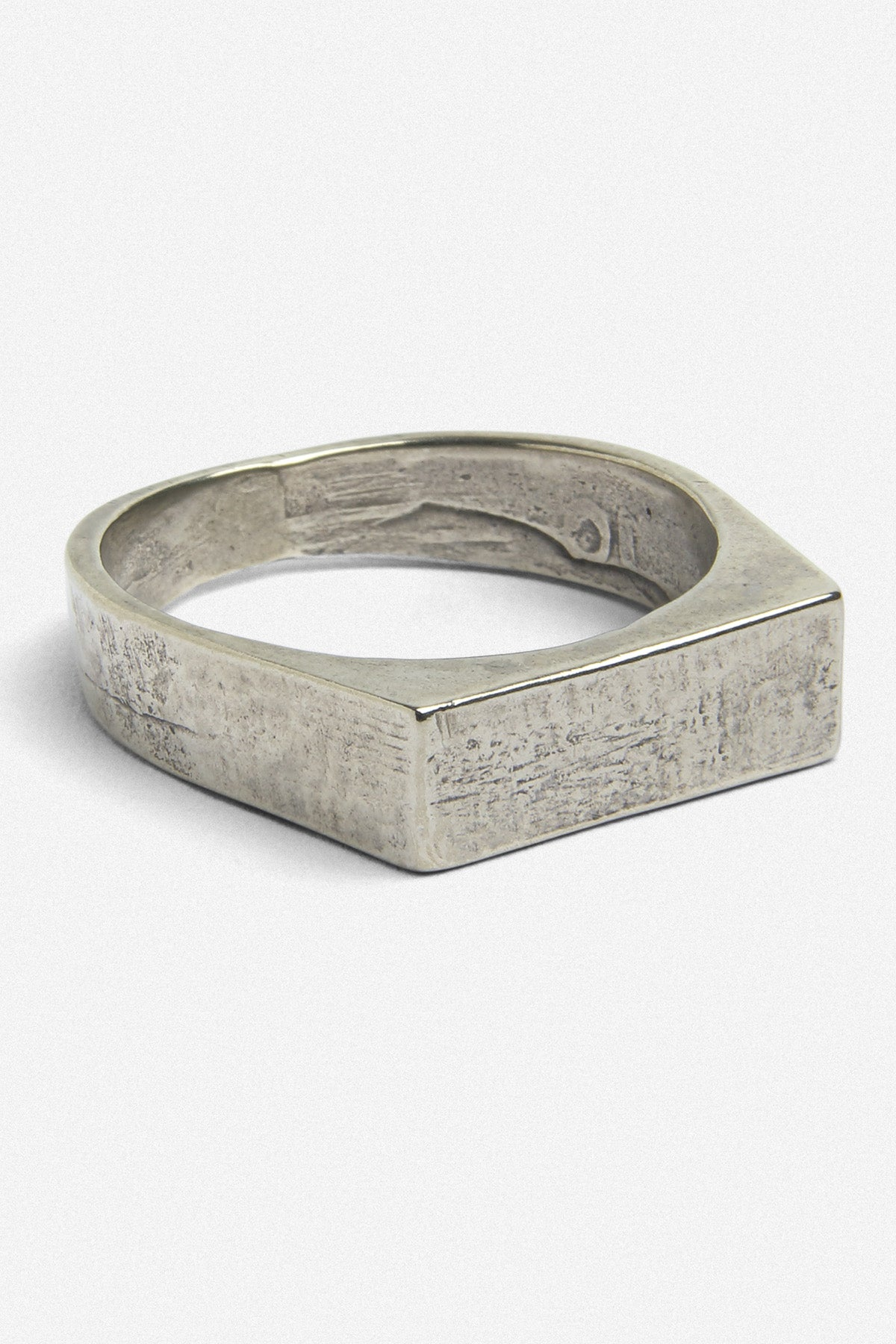SIGNET BAR RING IN WHITE BRONZE - Fortune Goods