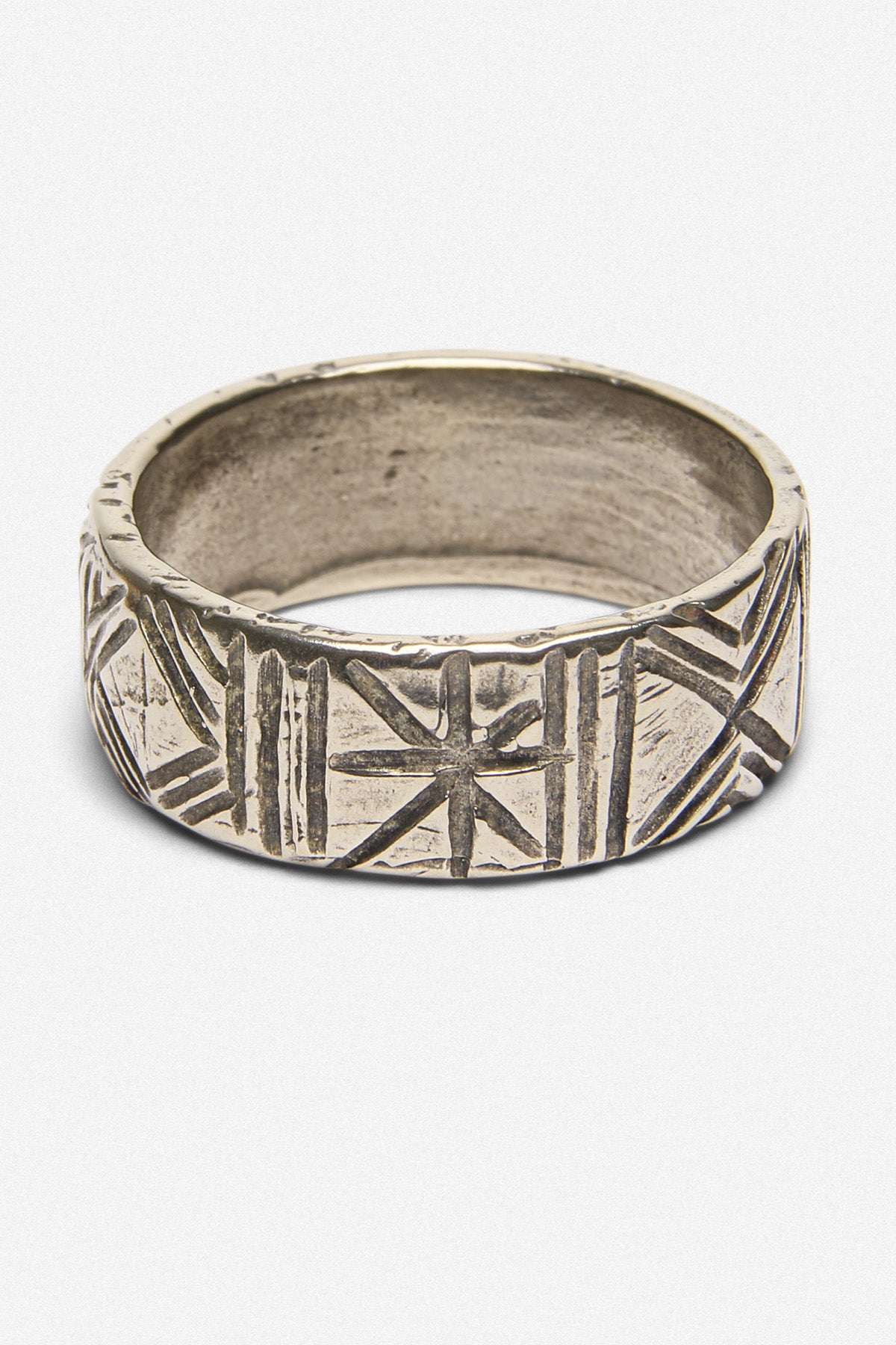 CARVED BAND RING IN WHITE BRONZE - Fortune Goods