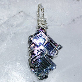 Bismuth Pendant - New Earth Gifts and Beads