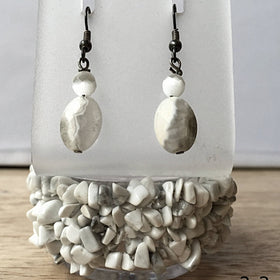 Howlite Cuff Bracelet with White Lace Agate & Mother of Pearl Earrings - New Earth Gifts