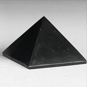 shungite 25mm pyramid - new earth gifts