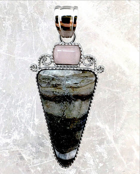 Arrow Gemstone Pendant of Black Fossil Jasper with Rose Quartz - New Earth Gifts