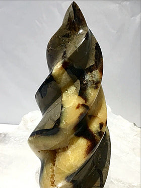 Septarian Spiraling Sculpture | New Earth Gift