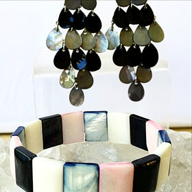 Shell Bracelet and Earrings Set - New Earth Gifts
