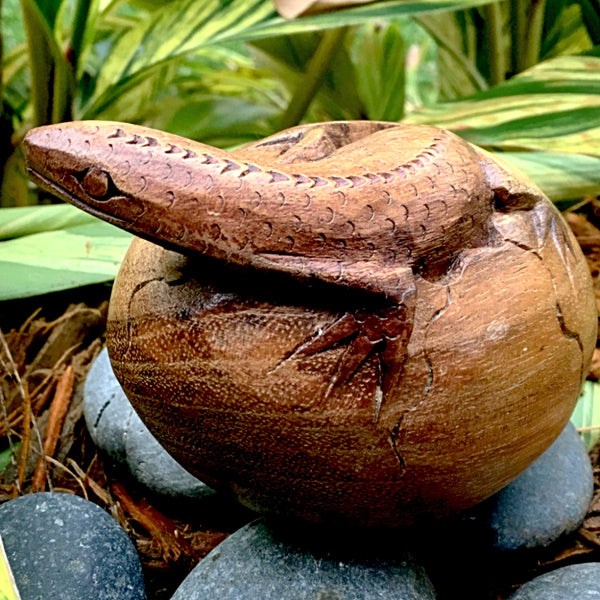 Wood Lizard Carving - New Earth Gifts and Beads