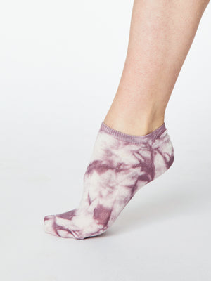 Tie Dye Bamboo Organic Cotton Blend Trainer Socks in Tulip Purple by Thought-bamboofeet