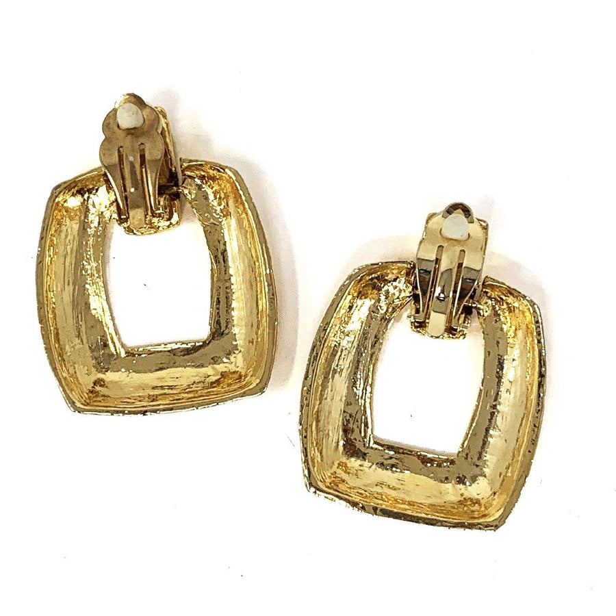 TEXTURED SQUARE EARRING
