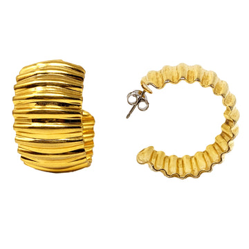 CORRUGATED HOOP EARRING