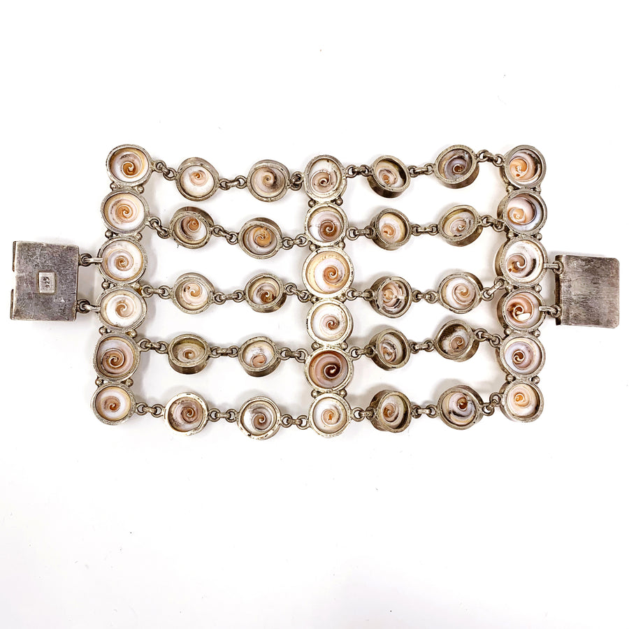 SHELL STATEMENT BRACELET