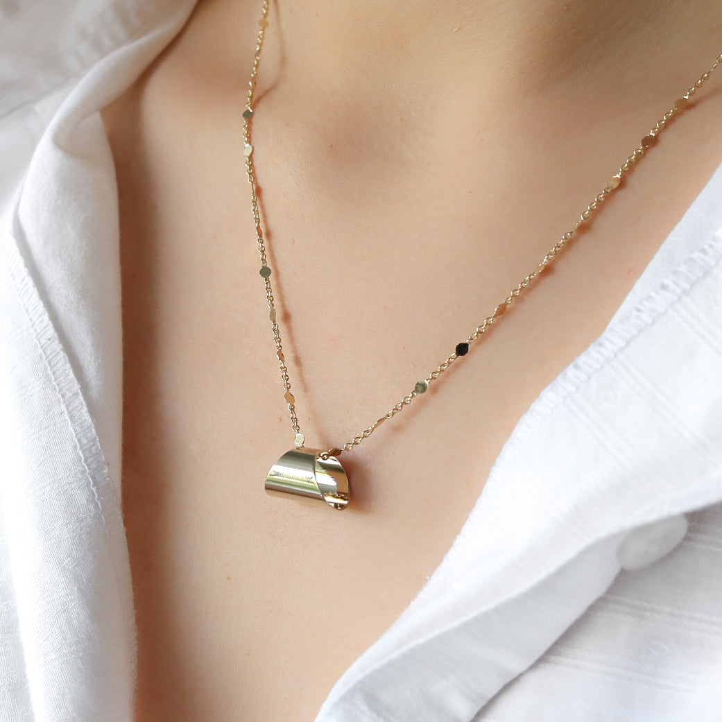 Olia Necklace