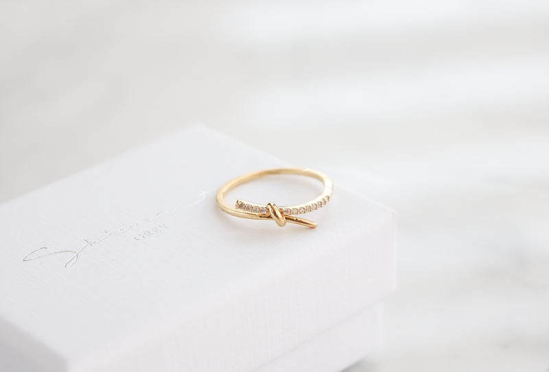 Knot Ring