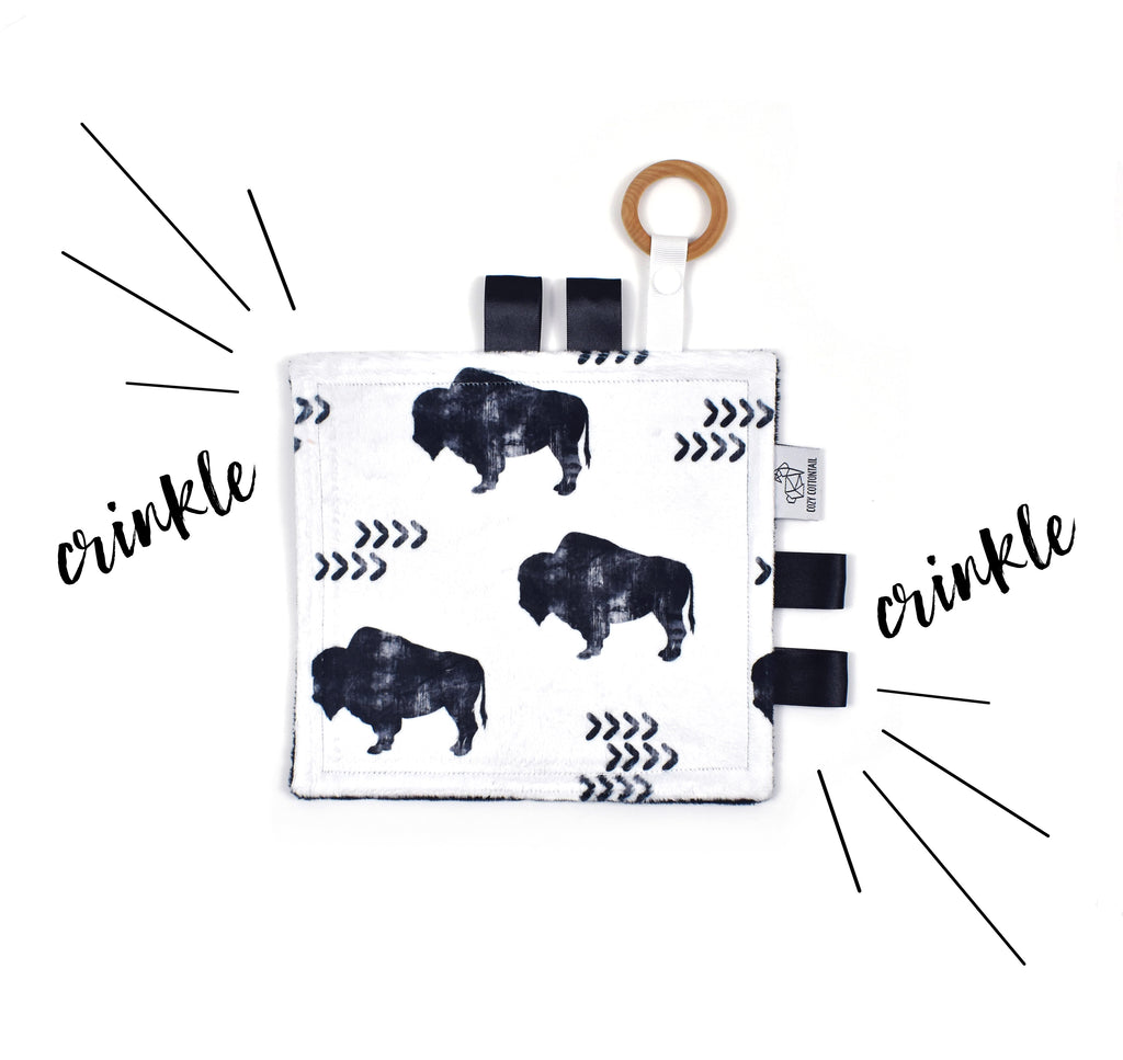 Crinkle Taggy | Distressed Buffalo White - Cozy Cottontail