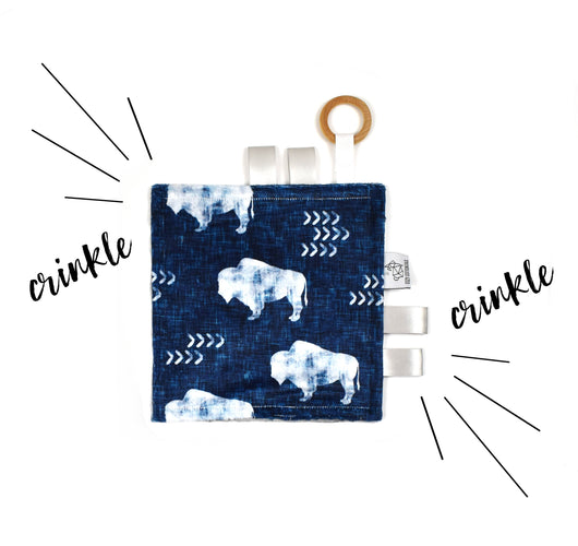Crinkle Taggy | Distressed Buffalo Indigo - Cozy Cottontail