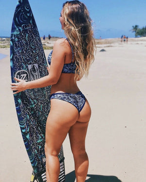 15 Aussie Beach Babes You Should Be Following Now
