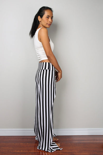 black and white striped pants, split pants, yoga pants, comfy pants by Nuichan