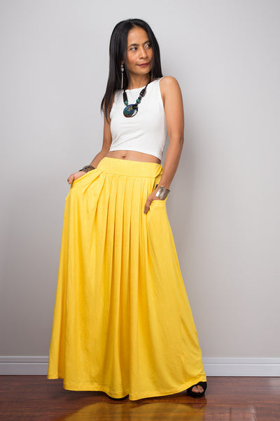 Yellow maxi skirt. Long yellow pleated skirt with pockets by Nuichan