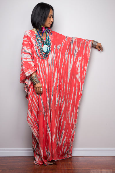 Buy Kaftan dresses online. Red kimono kaftan dress by Nuichan