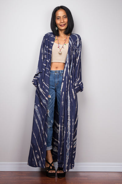 Dark blue kimono robe (plus size) with long sleeves and pockets.  Buy affordable kimono lounge robes online from Nuichan