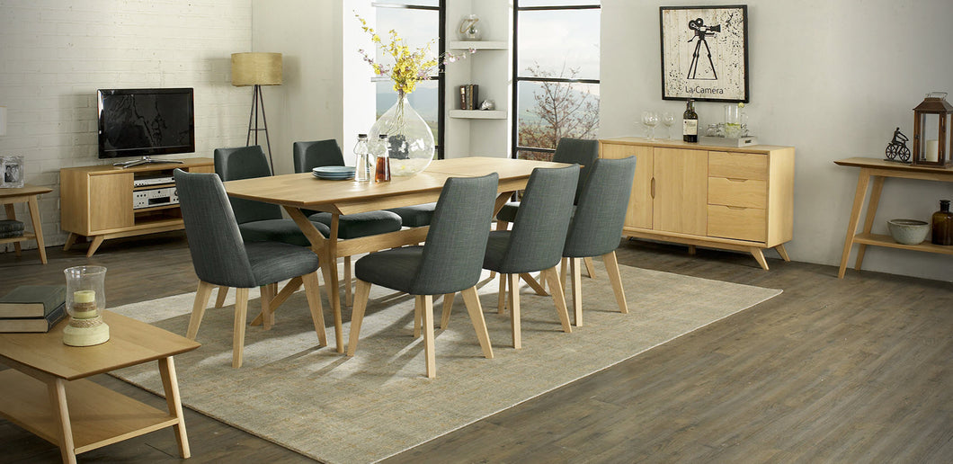 Milano extension table 9 piece Dining Setting / Ilva upholstered dining chairs