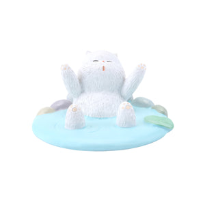 Seven Season Forbidden City Royal Cat Bathing in Hot Spring Smart Phone Stand
