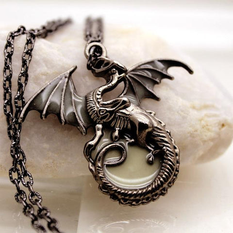 Game of Thrones: Glow in the Dark Dragon Amulet
