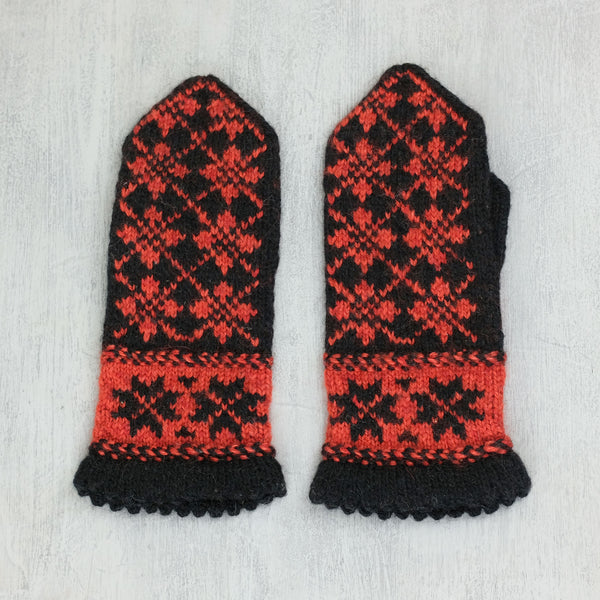 Hand knitted Latvian mittens - Auseklis