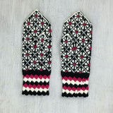 Hand knitted Latvian Mittens - Saule
