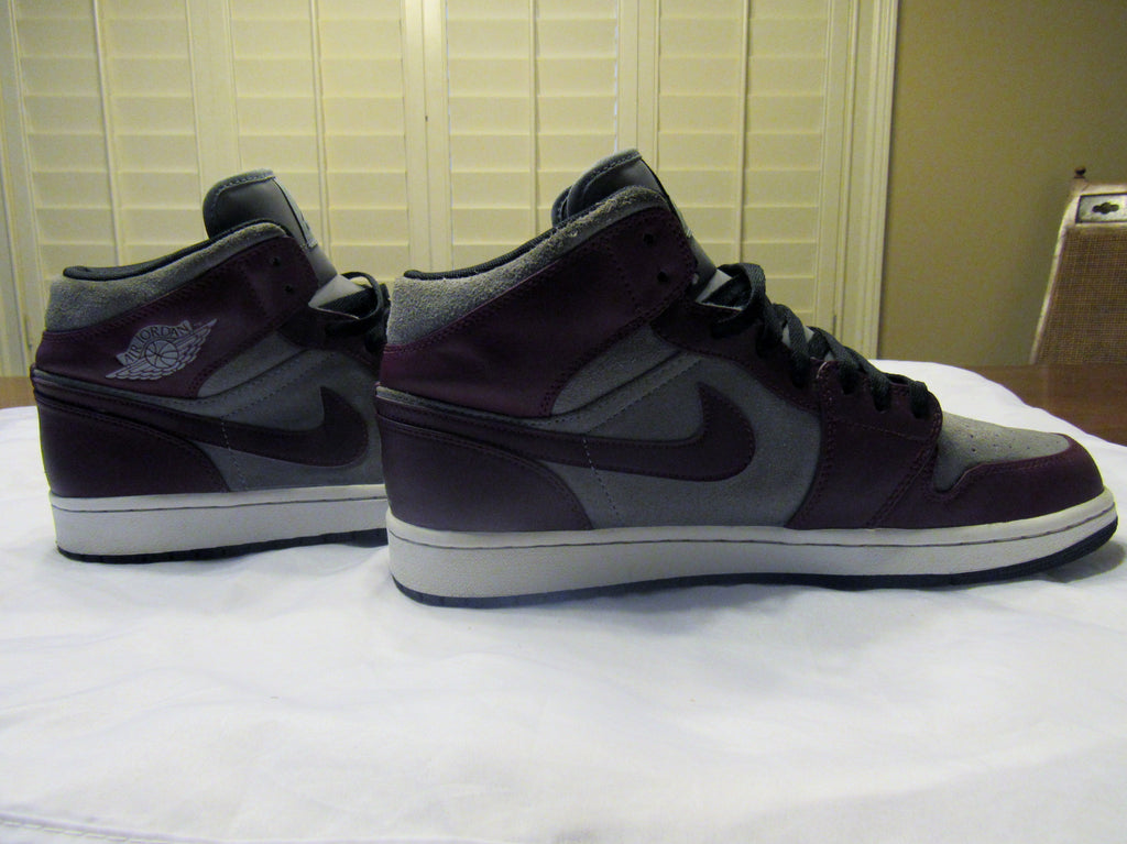 sports shoes f36d7 5e726 ... JORDAN Air Retro 1 Phat 1 (364770-605) Grey Suede and Purple Leather ...